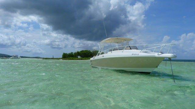 bateau eau turquoise
