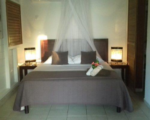 chambre lit double villa
