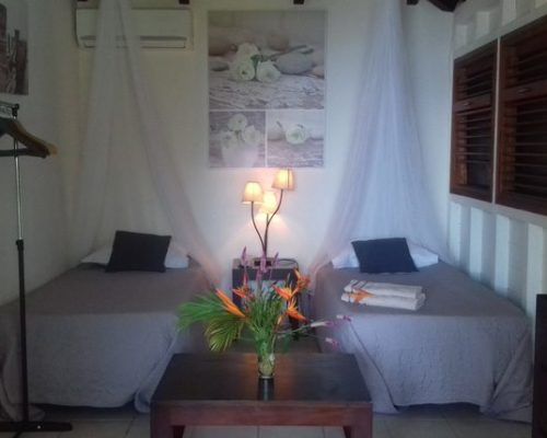 chambre deux lits villa guadeloupe
